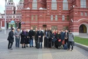 Международная команда FLAME на фоне Исторического музея