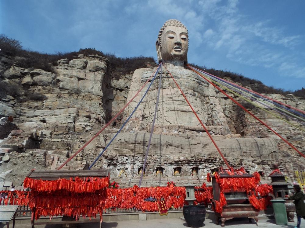 Мэншанский Будда. Голова изваяния